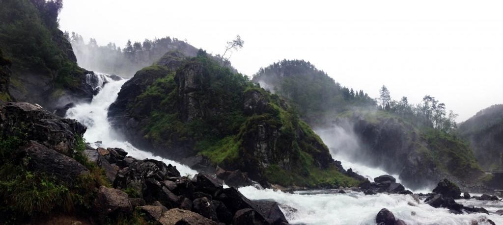 водопад по пути в одду