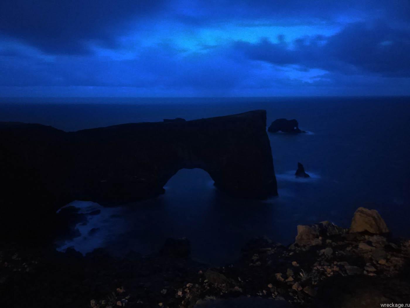 вик чёрные пляжи ночью дирхолай