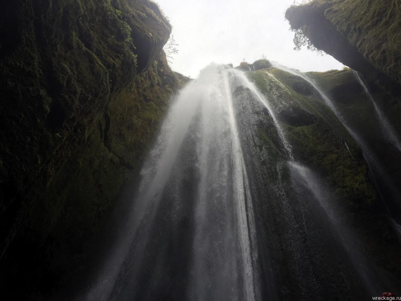 водопад рядом с скогафосс