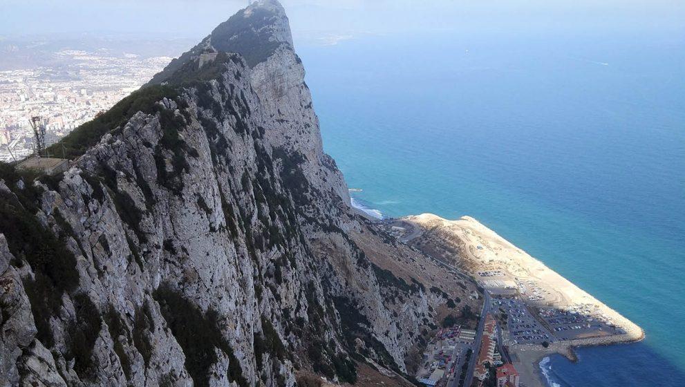 Скала Гибралтар и главная её особенность — Обезьяны