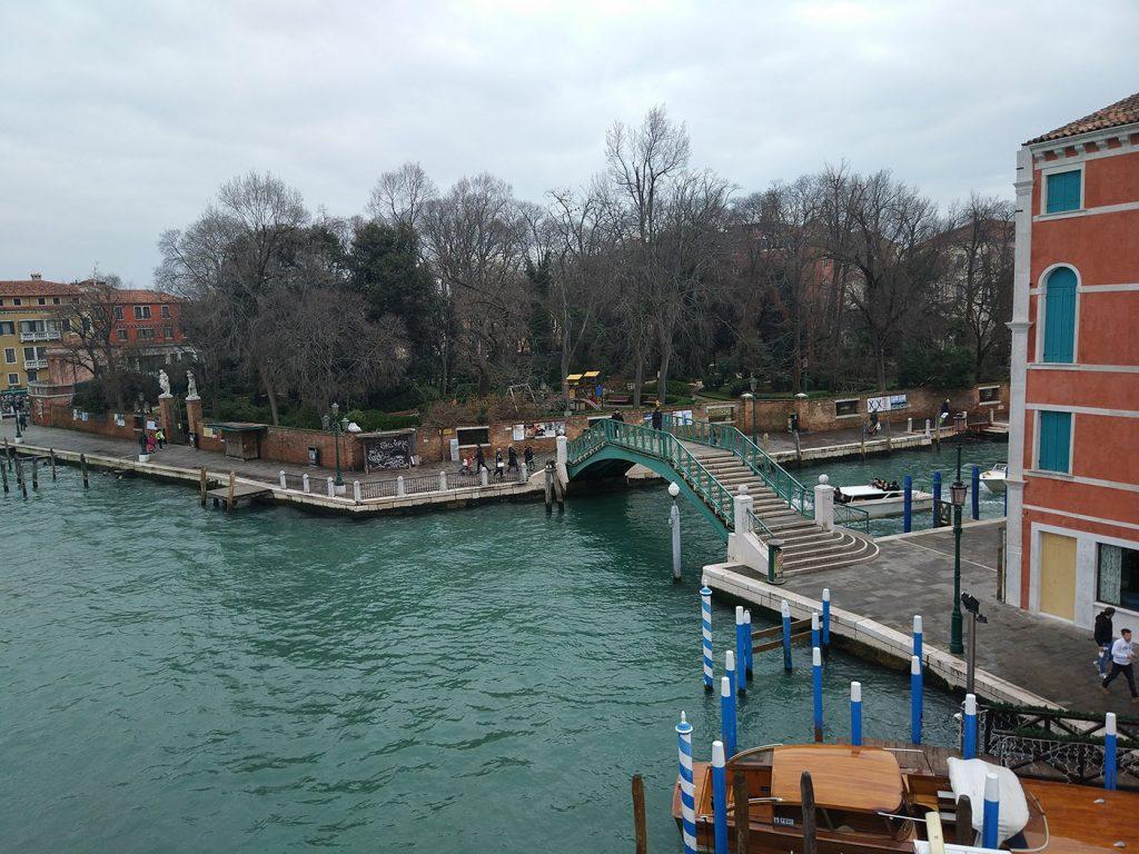 венеция сразу после автобуса