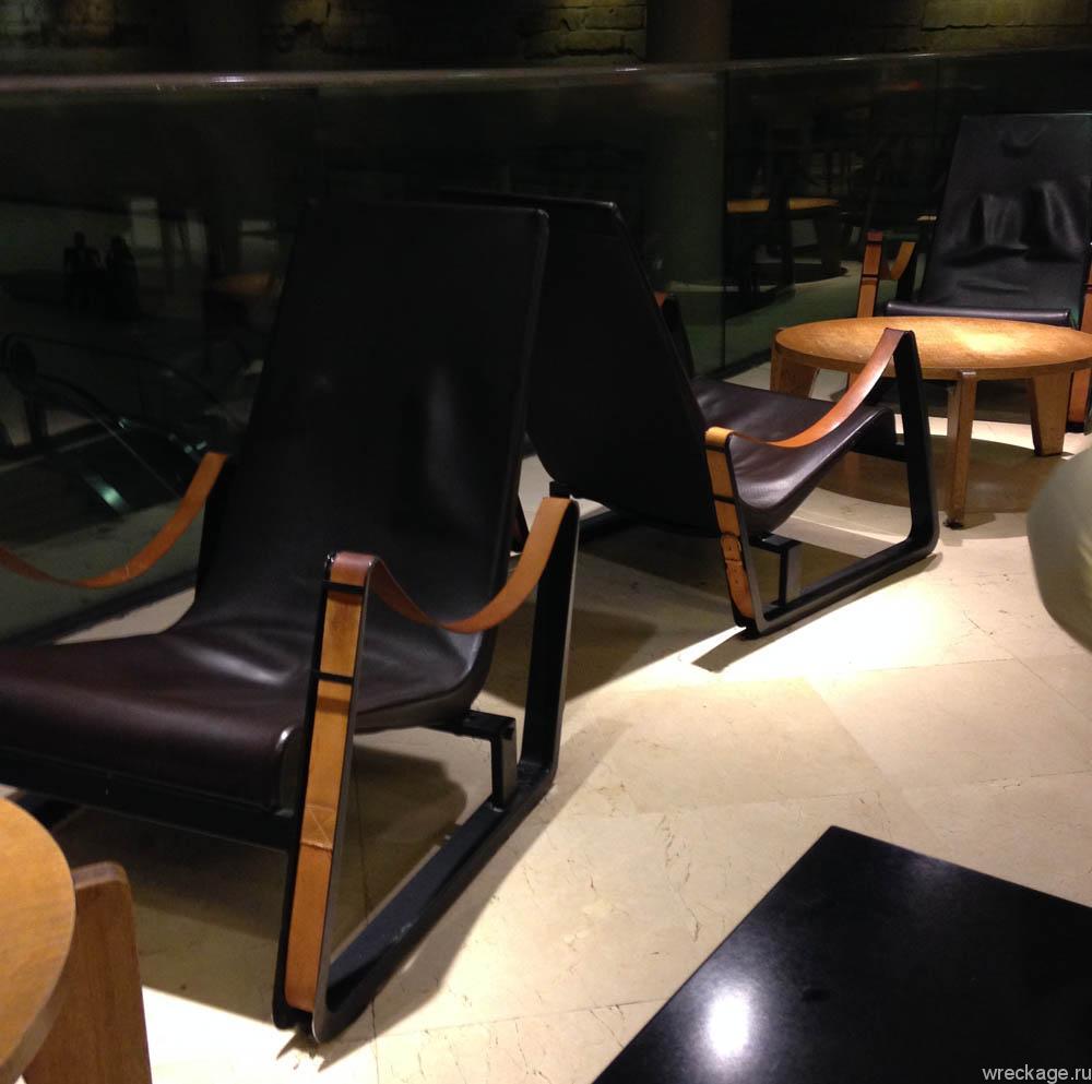 стулья макдональдс париж