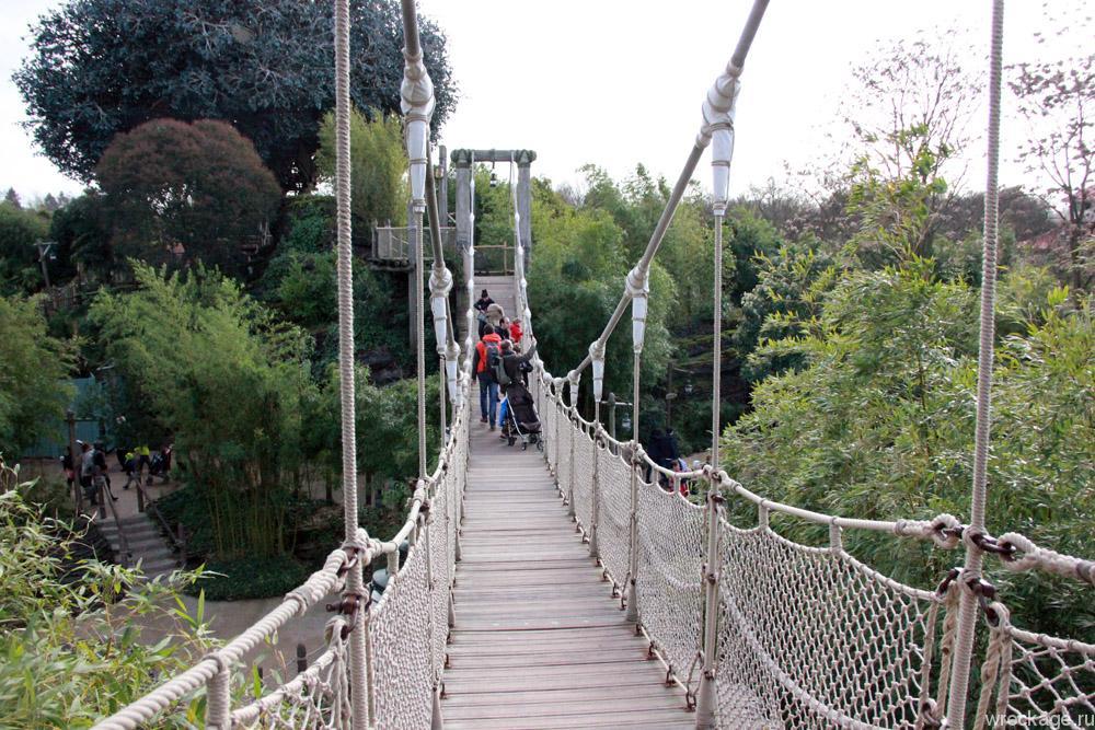 мост в диснейленде