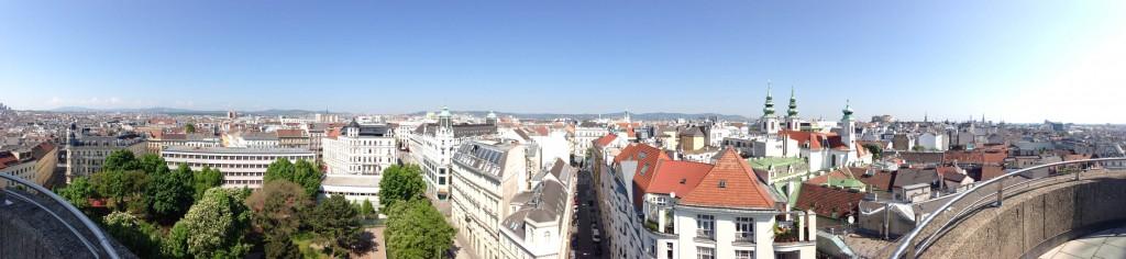 панорама Вены с дома моря
