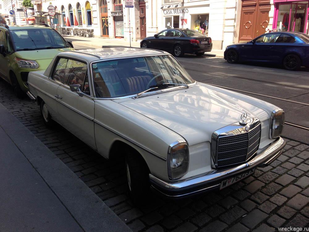 Старый мерседес на улицах Вены