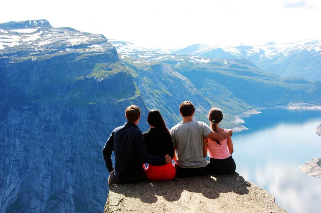 сидим на Скьеггедаль (Skjeggedal)