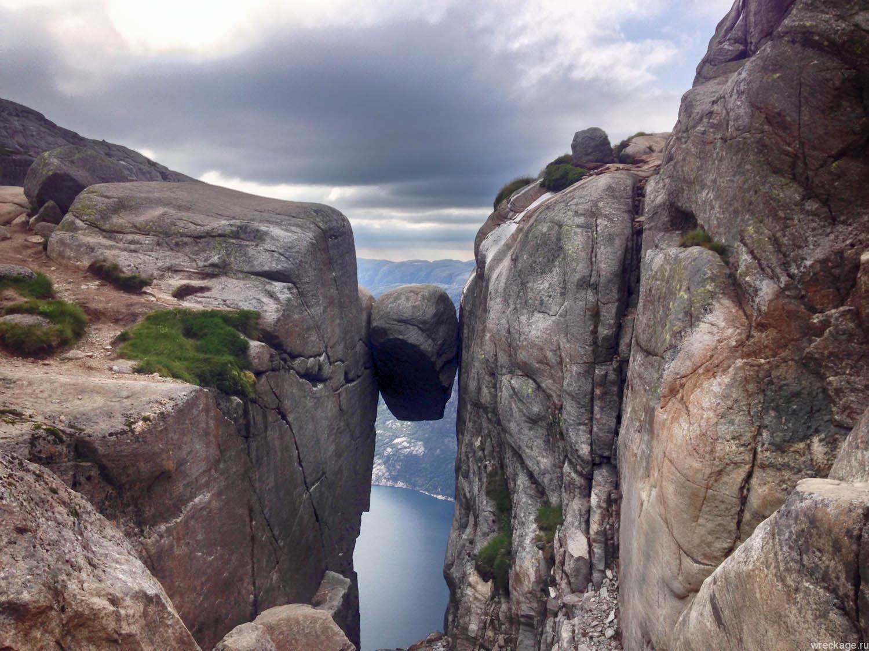 Лезем на Кьераг – камень между двух скал, ночуем в Lysebotn кемпинге