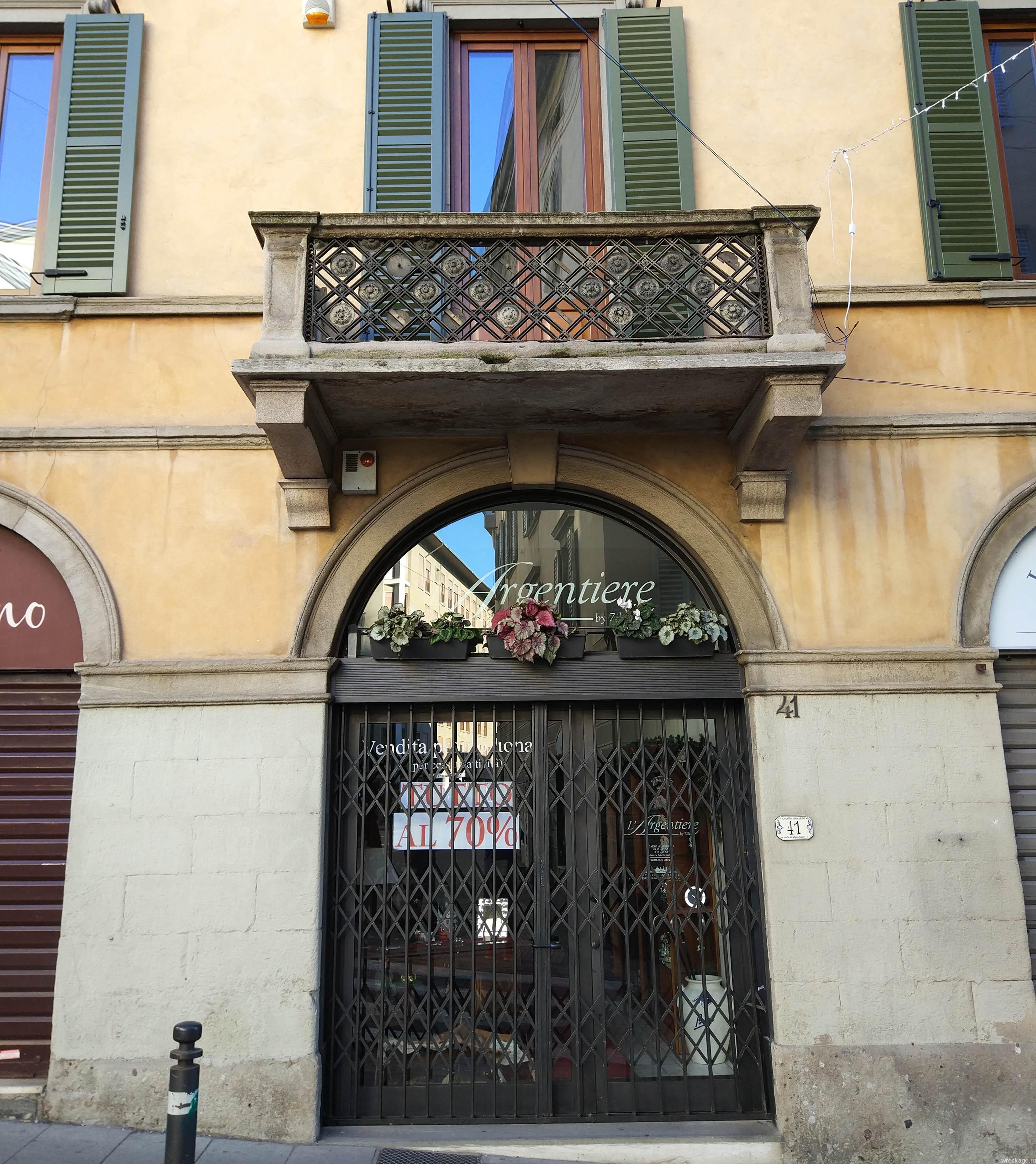 бергамо италия балконы