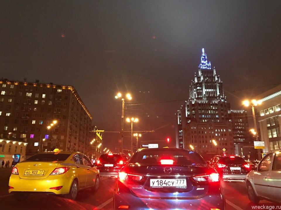 Новогодний трип в Европу, Ночуем в Москве, Граница с Латвией