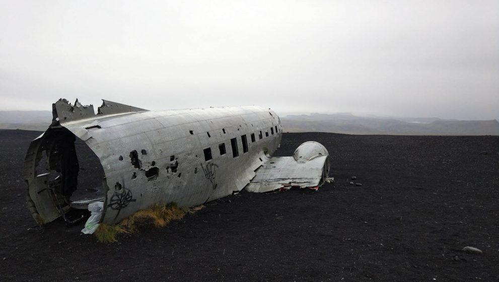Останки заброшенного самолёта в Исландии, DC-3