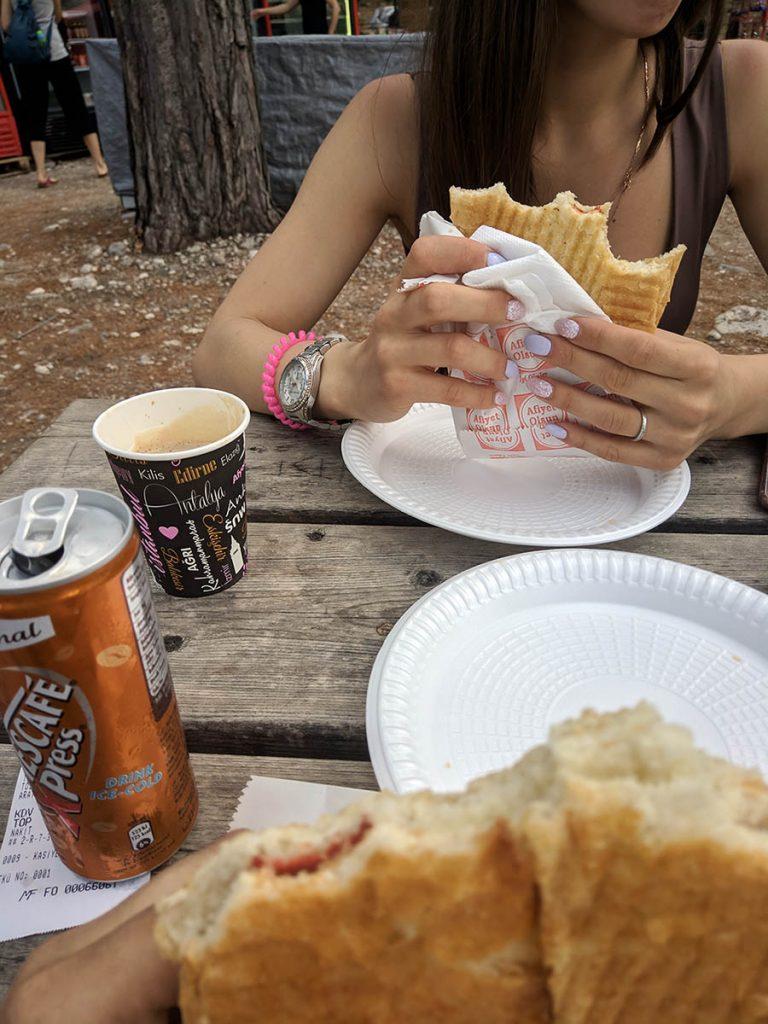 обед еда в фаселисе кафе