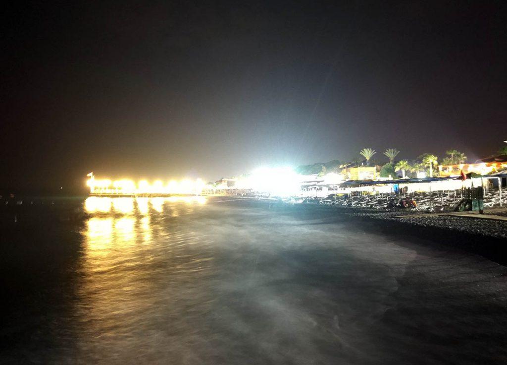 Кириш пляж ночью