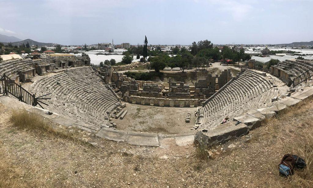 амфитеатр демре пустой