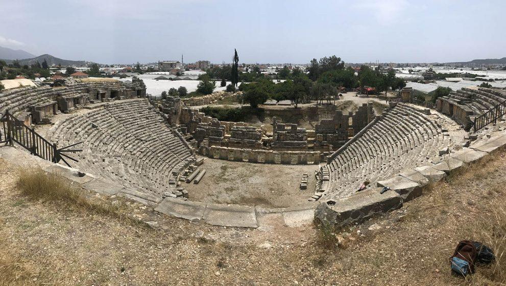 Древние гробницы Миры и едем назад в Кемер