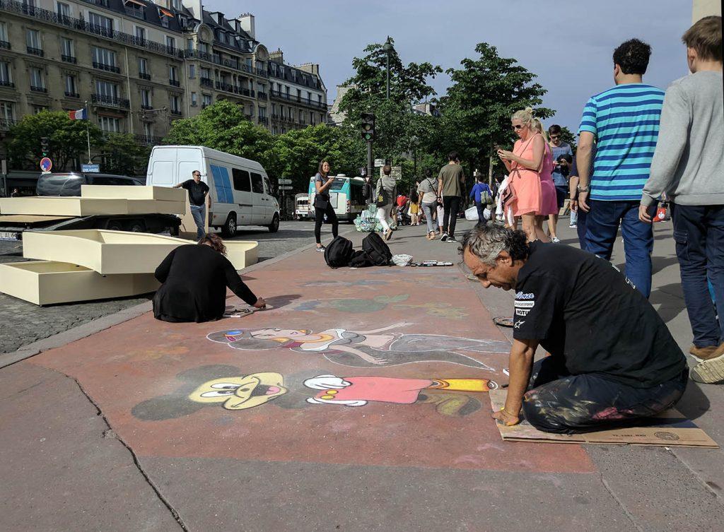 художники на улицах парижа